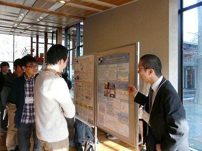 Assoc.Prof. Shungo Kato of Tokyo Metropolitan Univ. explaining his poster.