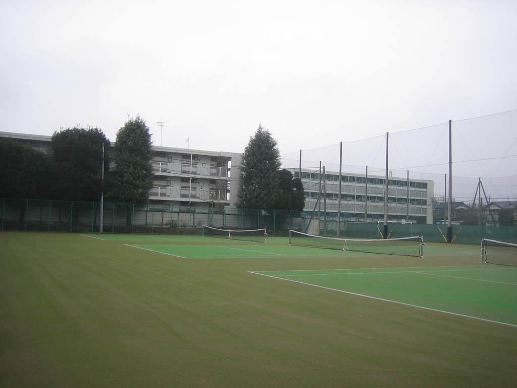 砂入り人工芝テニスコート  明法学院