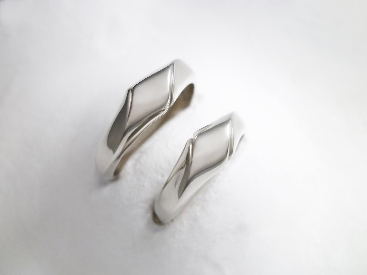 Platinum marriage ring