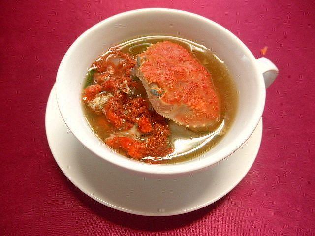 #セコガニのスープ #フュメ・ド・ポワソン #フュメ・ディ・ペッシェを取り #塩胡椒のみで味付け #かにはそのもの自体美味しい味をもっていますので(^