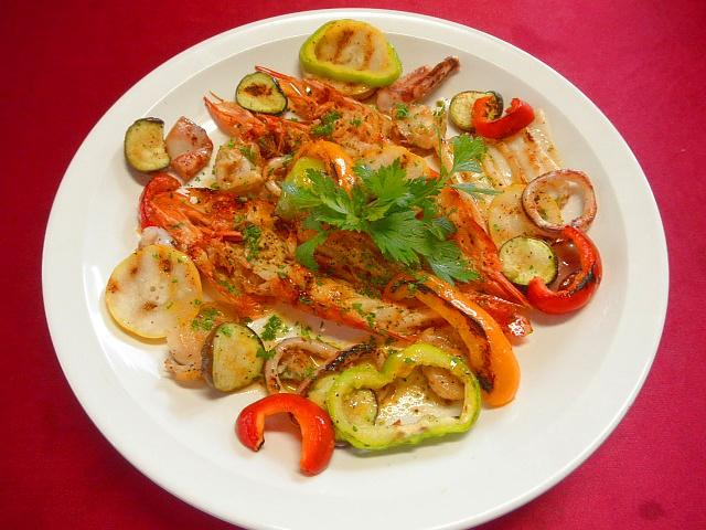 #シーフード&夏野菜のミックスグリル #アマエビ #マイカ #ナス #パプリカ #ズッキーニ等に #オリーブオイルををかけてグリルで焼く