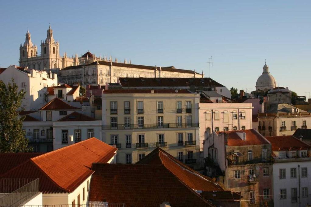 0405_01 Nov 07_Lissabon_Miradouro de Santa Luzia_de Fora & Santa Engracia