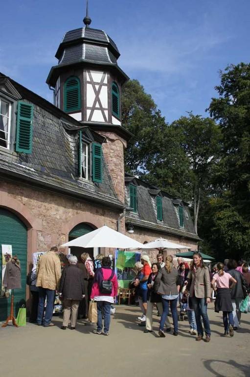 126_0704_19 Sept 2010_Gartenfest_Schloss Wolfsgarten_Aussteller