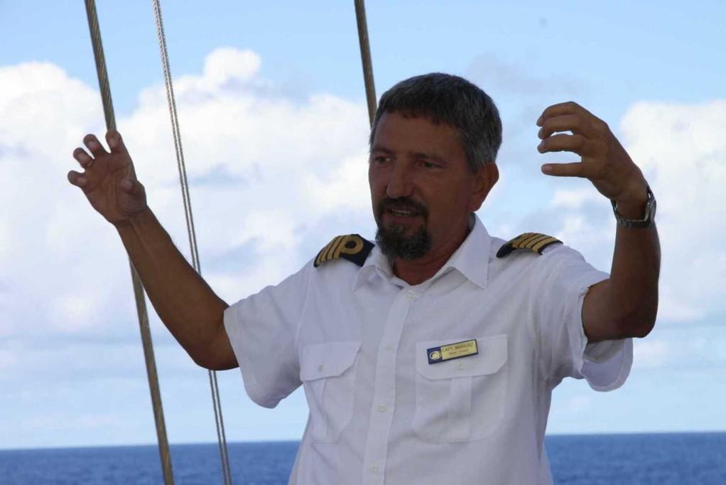 2222_20 Okt 2010_Star Flyer_Captains Story Time