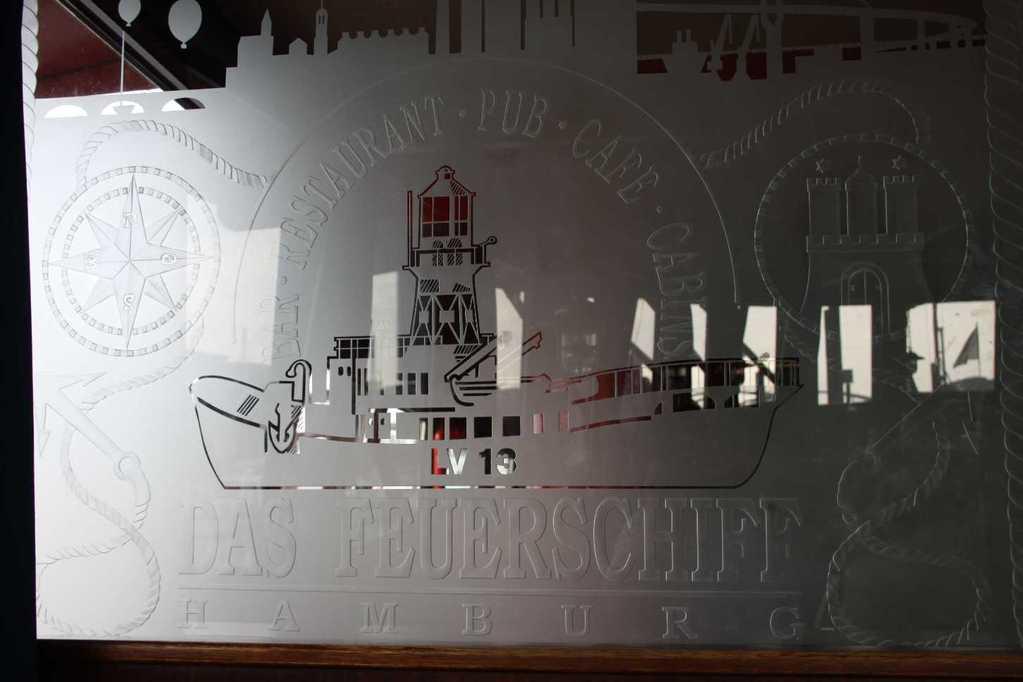 0237_11 Juni 2011_Hamburg_Feuerschiff_LV13_Restaurant
