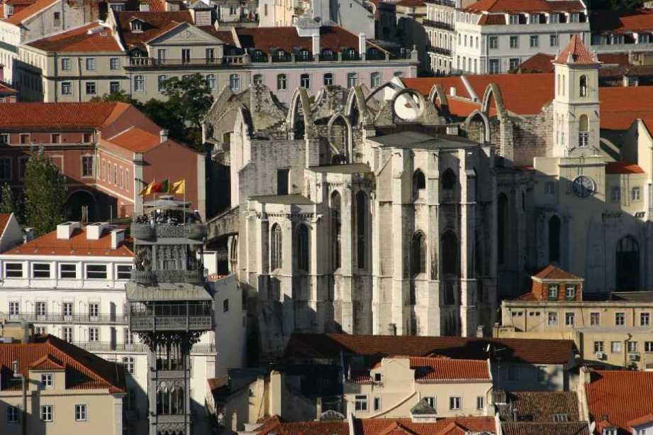 0449_01 Nov 07_Lissabon_Castelo de Sao Jorge_Elevador de Santa Justa_Convento do Carmo