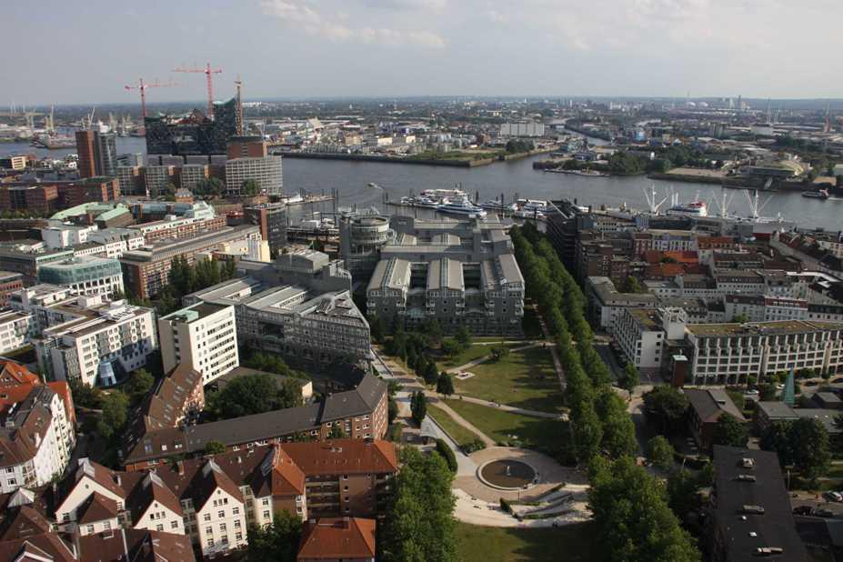 0121_10 Juni 2011_Hamburg_Michel_Aussicht