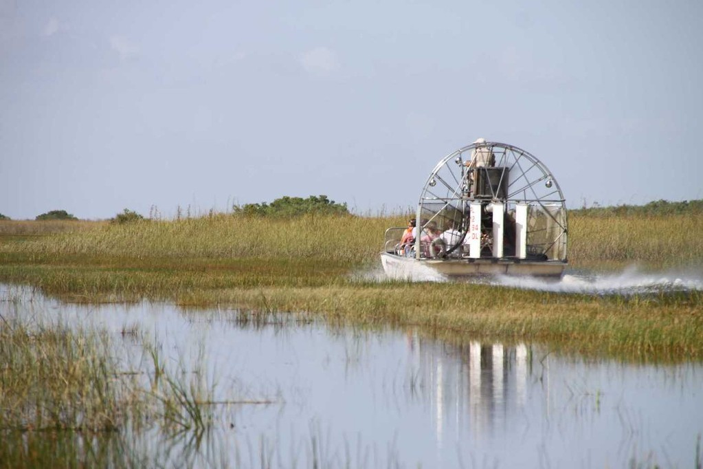 1694_14 Juni 2010_Everglades_Airboat Ride_Sümpfe_Boot