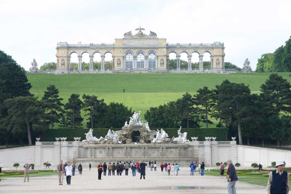 0302_22 Mai 08_Wien_Schloss Schönbrunn_Neptunbrunnen_Gloriette