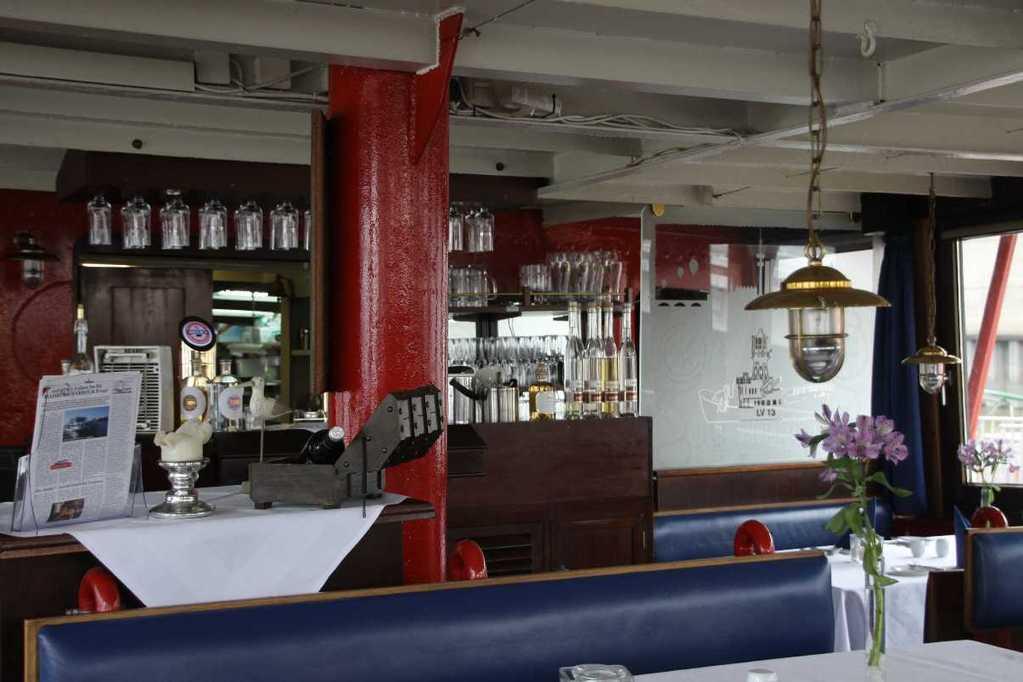 0248_11 Juni 2011_Hamburg_Feuerschiff_LV13_Restaurant