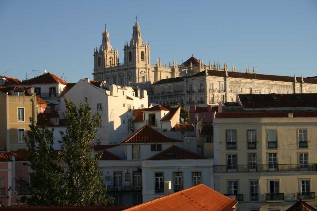 0406_01 Nov 07_Lissabon_Miradouro de Santa Luzia_Sao Vicente de Fora