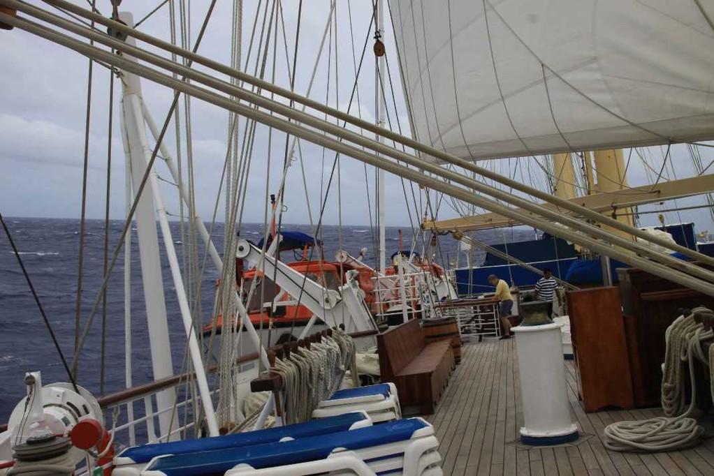2742_29 Okt 2010_Star Flyer_meets Hurrican Tomas