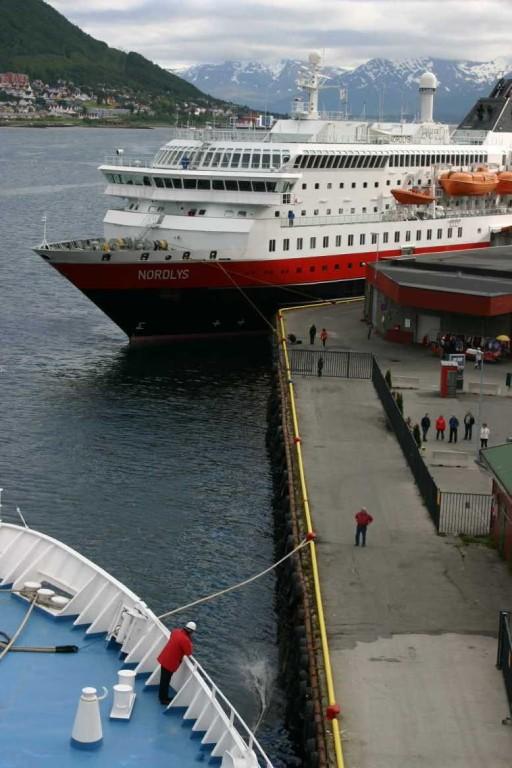 Bild 2424 - Norwegen, Tromsö, Nordlys & MS Delphin