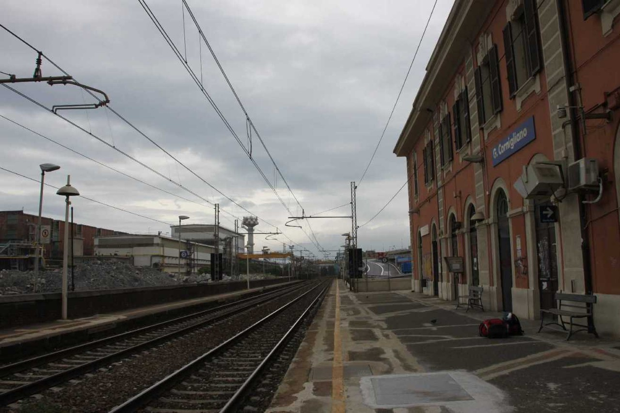 0013_06 Okt 2013_Genua_Cornigliano_Bahnhof