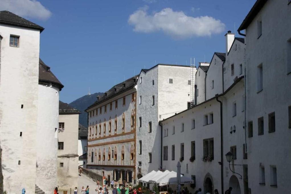 0340_21 Aug 2010_Salzburg_Festung Hohensalzburg_Innenhof