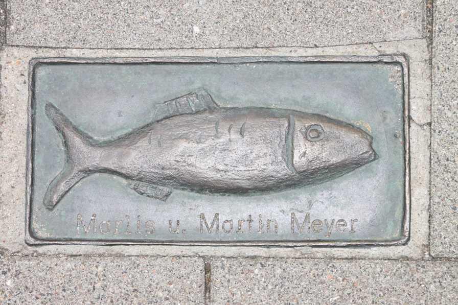 0078_06 Aug 2011_Kappeln_Gehwegplatte Fisch