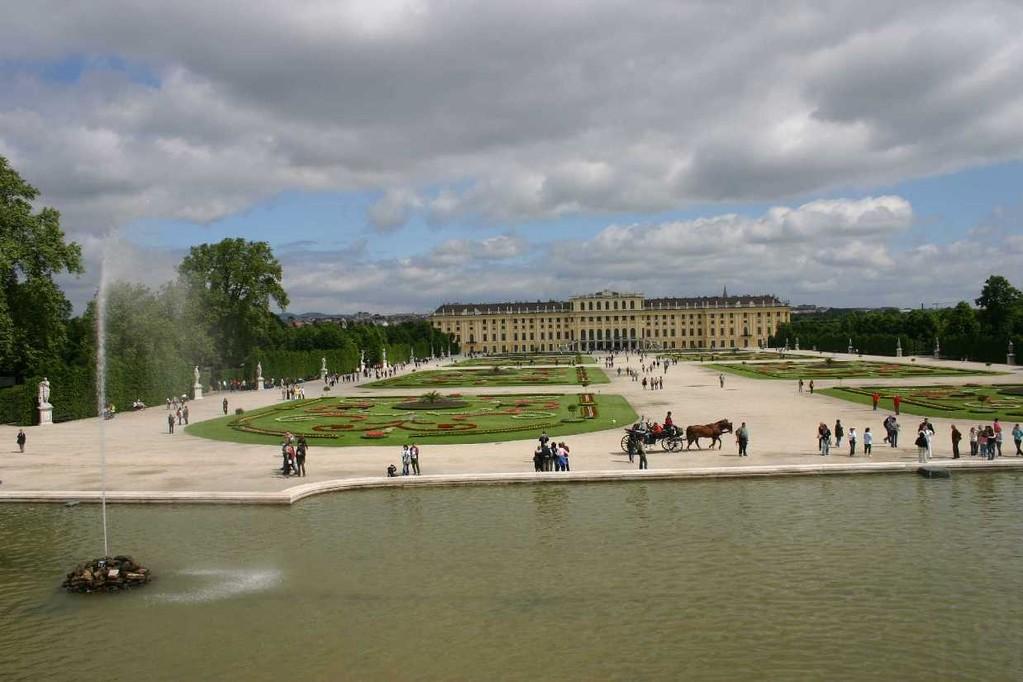 0377_22 Mai 08_Wien_Schloss Schönbrunn_Neptunbrunnen