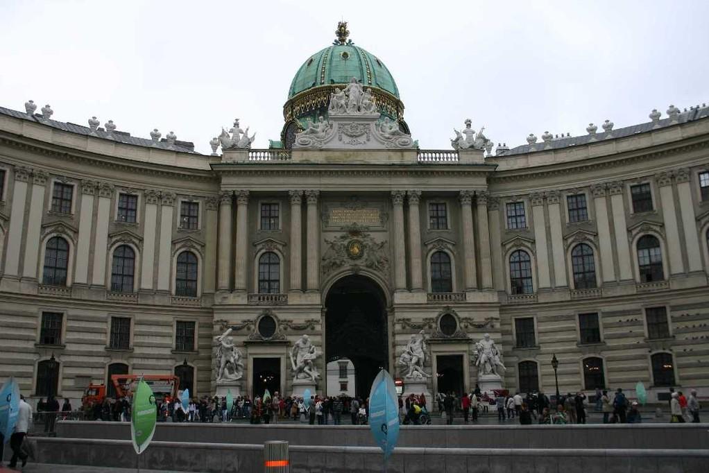 0023_21 Mai 08_Wien_Alte Hofburg_Michaeler Platz