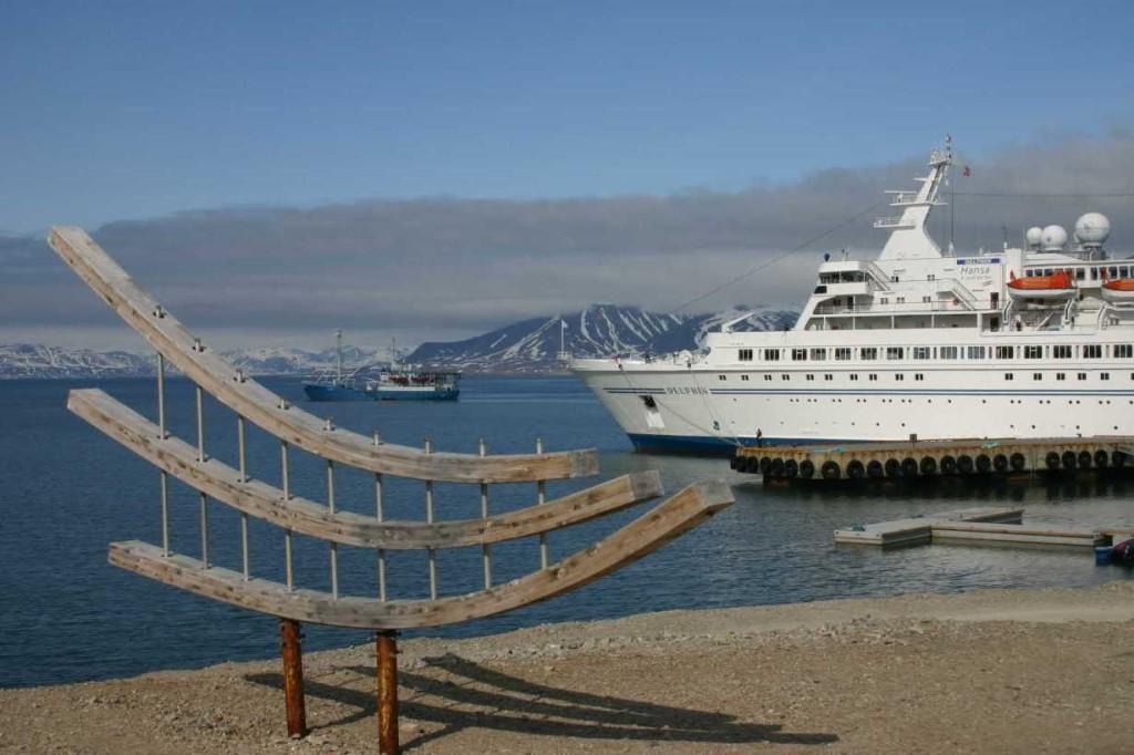 Bild 1428 - Spitzbergen, Ny Alesund, MS Delphin