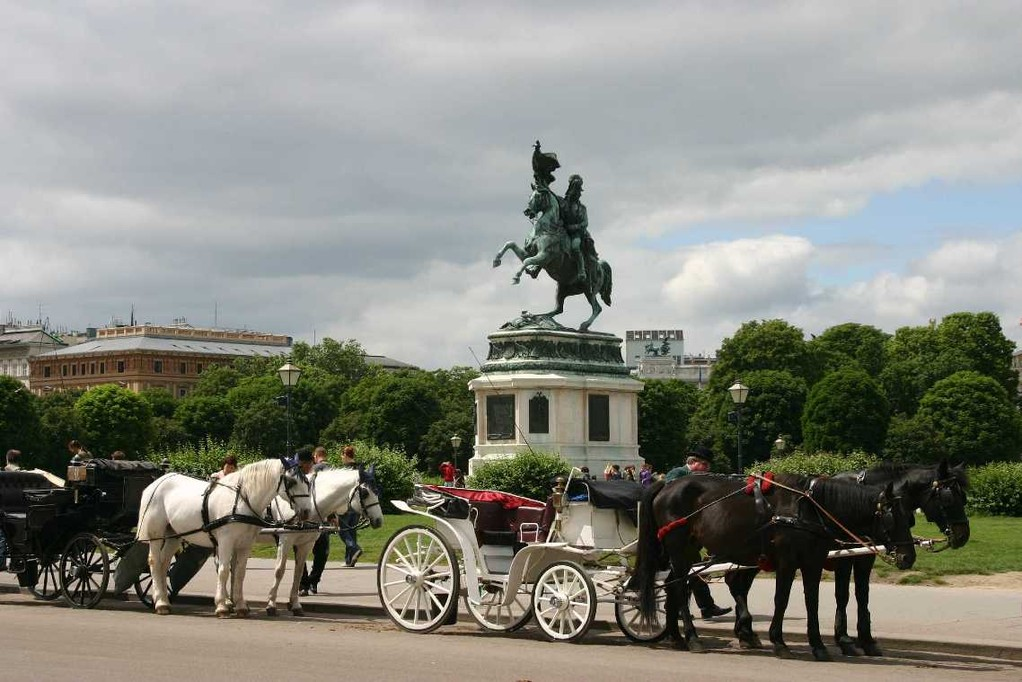 0444_22 Mai 08_Wien_Heldenplatz_Erzherzog-Karl-Reiterdenkmal