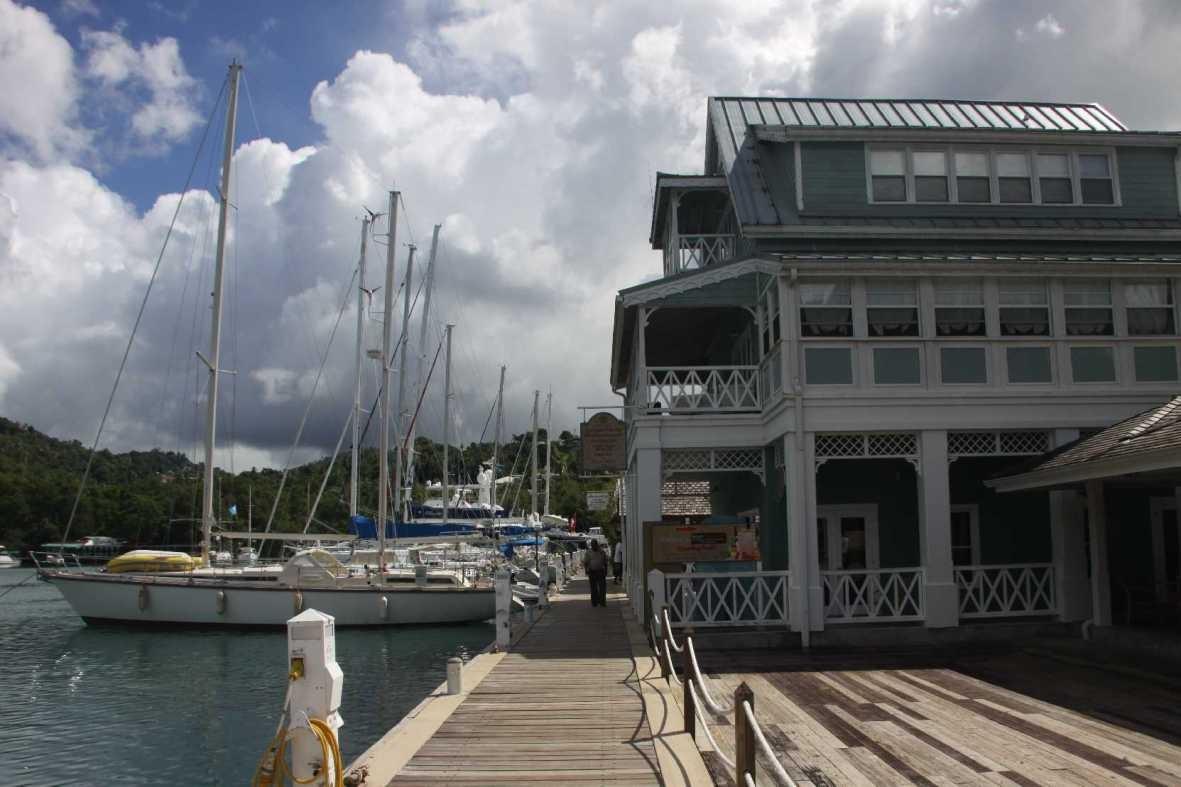 4258_06 DEZ 2013_St-Lucia_Marigot Bay