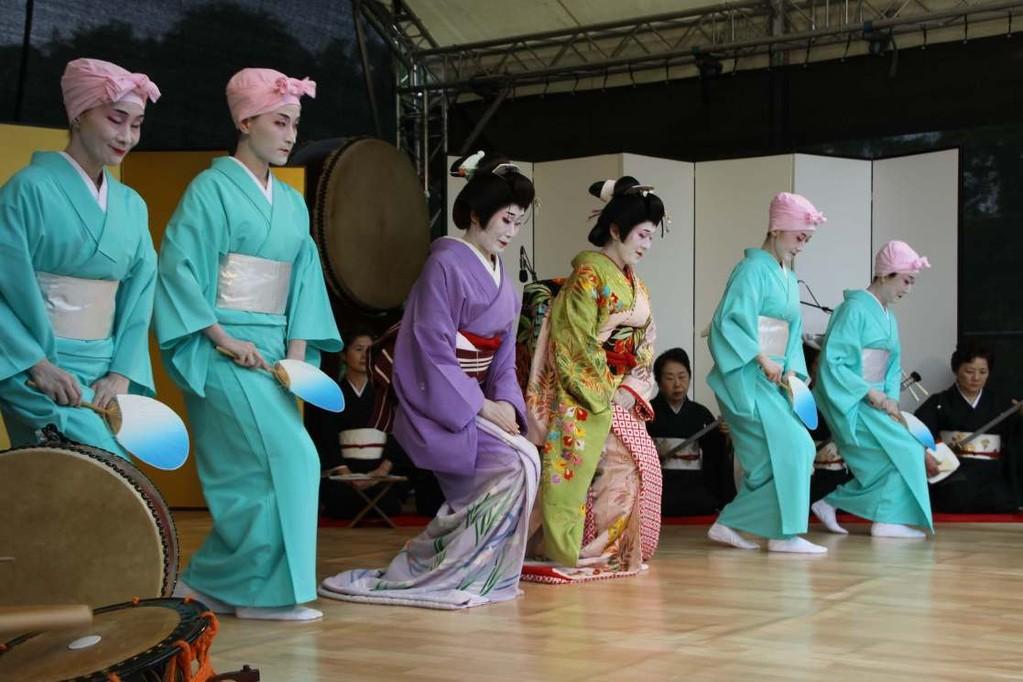 224_0592_18 Sept 2011_Gartenfest_Japan_Show_Trommel_Tanz_Orchester