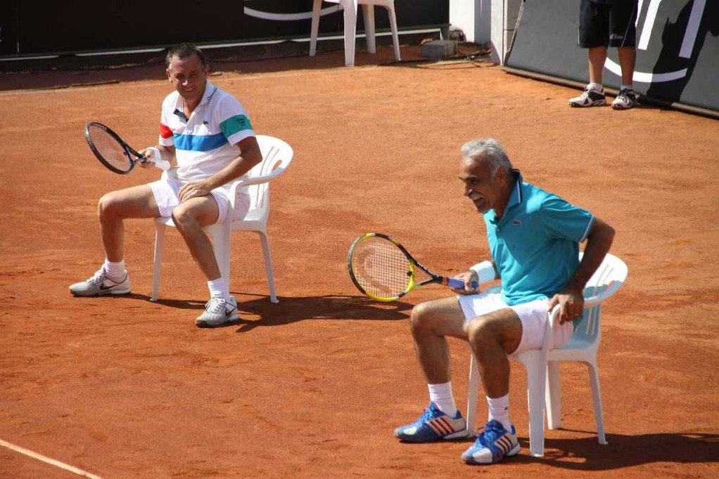 0223_26 Mai 2012_Cup of Legends_Bahrami_Pernfors_sitzend