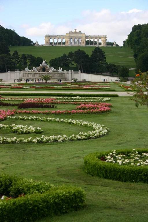 0297_22 Mai 08_Wien_Schloss Schönbrunn_Neptunbrunnen_Gloriette