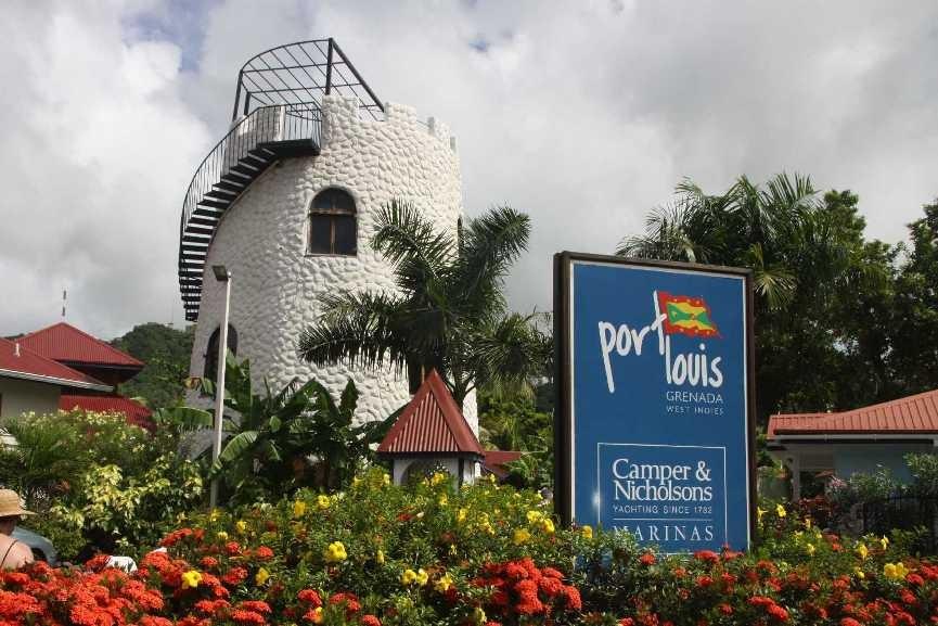 3003_02 DEZ 2013_Grenada_Port Louis_Marina