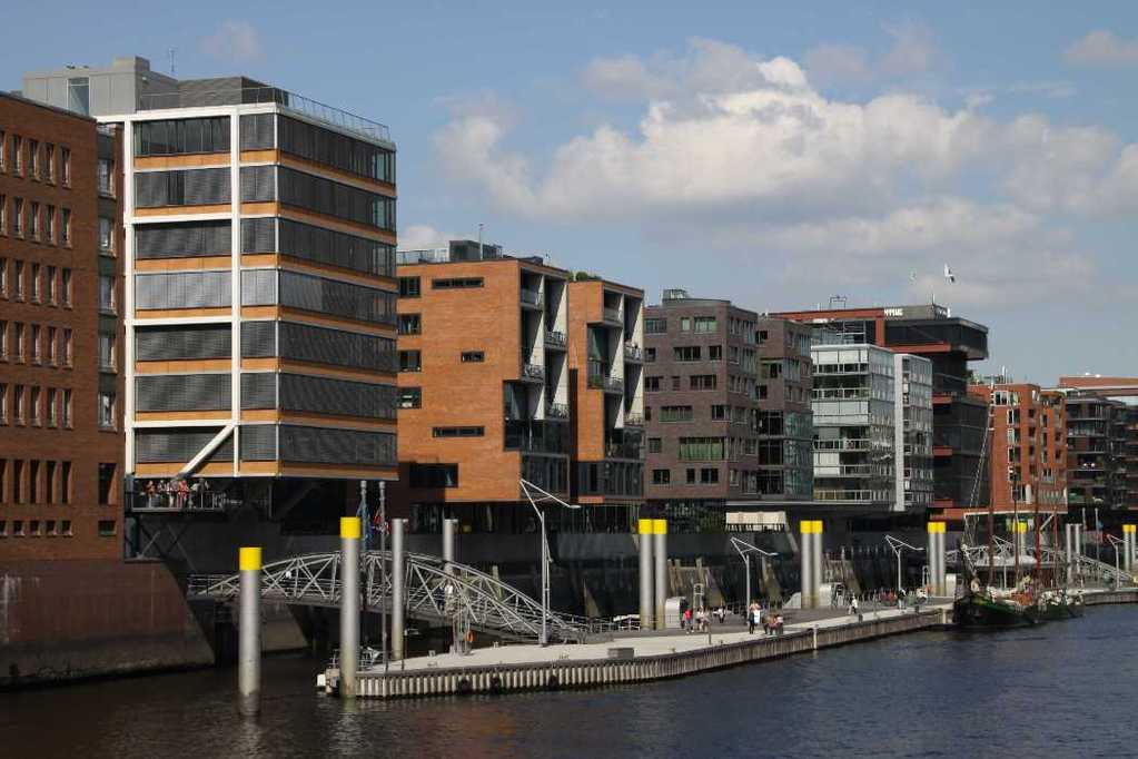 0451_11 Juni 2011_Hamburg_Hafen-City