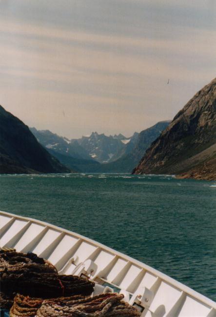 Ocean Monarch im Prins Christian Sund / Grönland