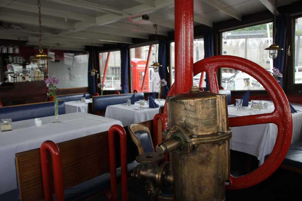 0245_11 Juni 2011_Hamburg_Feuerschiff_LV13_Restaurant