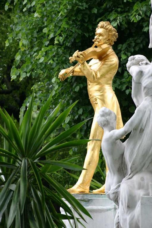 0231_21 Mai 08_Wien_Stadtpark_Johann-Strauss-Denkmal