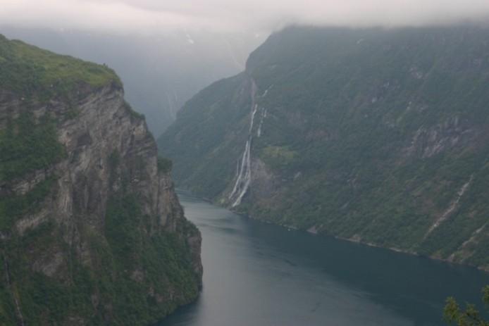 Bild 2645 - Norwegen, Geiranger, Adlerkehre, 7 Schwestern-Wasserfall