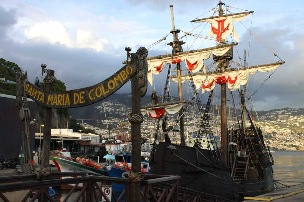 1374_14 Okt 2010_Madeira_Funchal_Hafen_Santa Maria de Colombo
