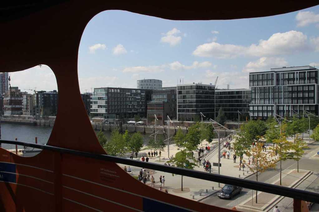 0415_11 Juni 2011_Hamburg_Hafen-City_View Point_Marco-Polo-Terrassen