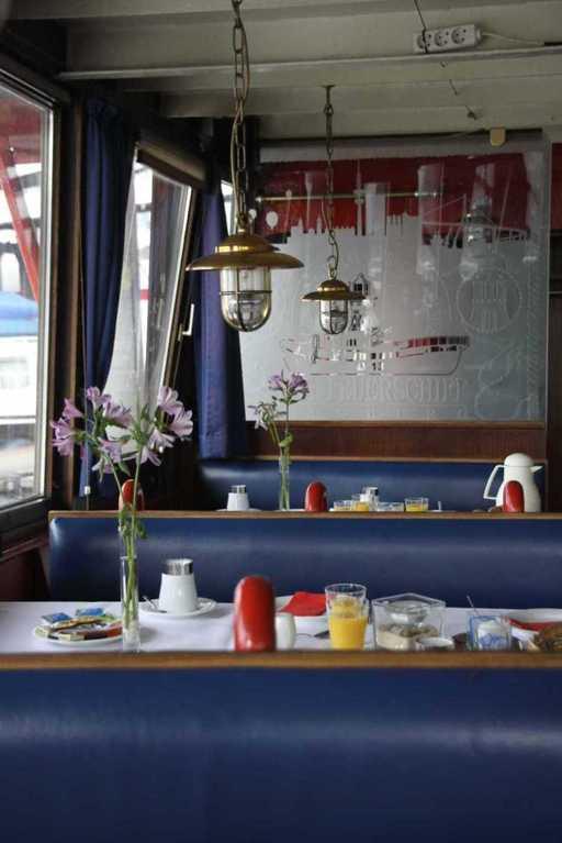 0240_11 Juni 2011_Hamburg_Feuerschiff_LV13_Restaurant