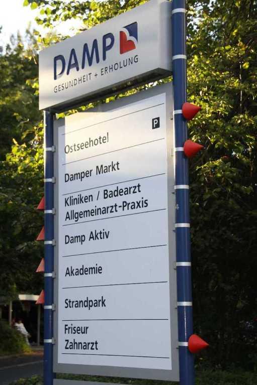 0229_19 Aug 2011_Damp_Reha-Klinik_Wegweiser