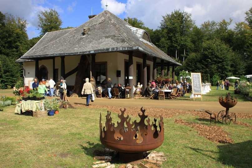 072_0207_17 Sept 2010_Gartenfest_Aussteller