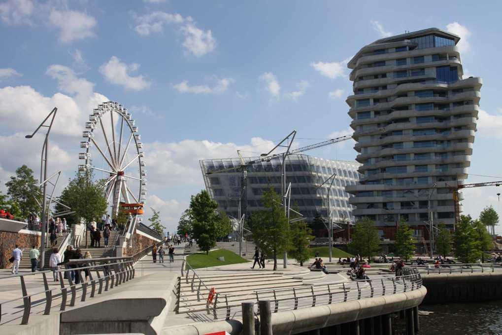 0435_11 Juni 2011_Hamburg_Hafen-City_Marco-Polo-Terrassen_Steiger-Riesenrad_Unilever-Haus