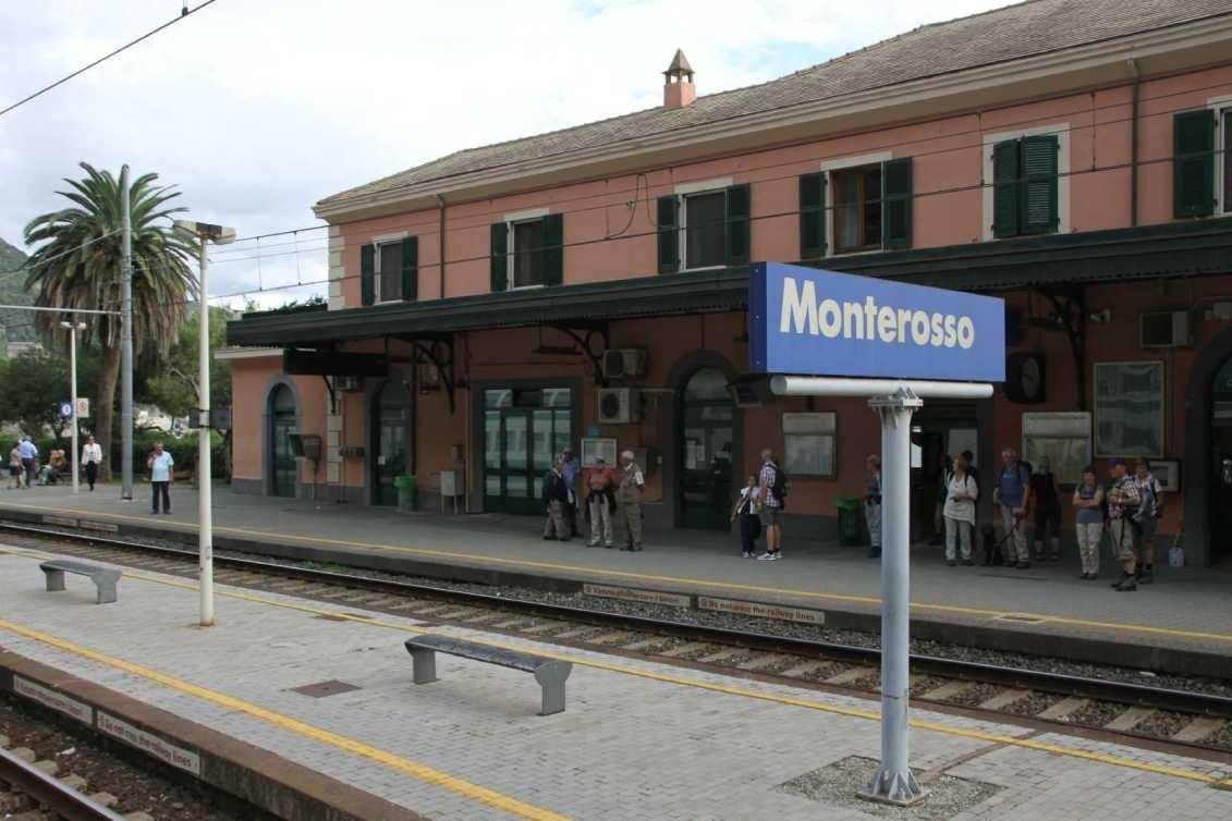 0038_06 Okt 2013_Cinque-Terre_Monterosso_Bahnhof
