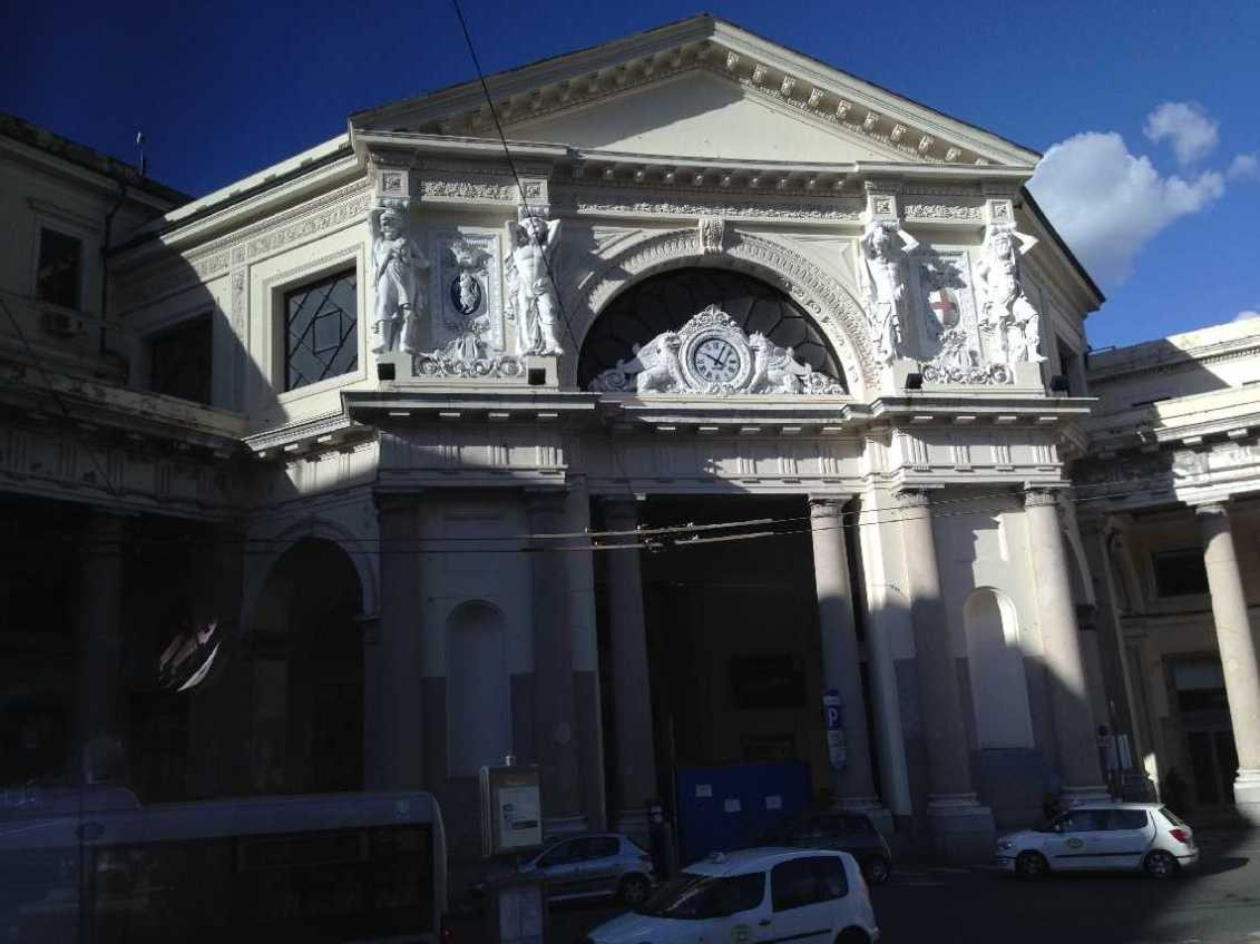0806_12 Okt 2013_Genua_Piazza Principe_Bahnhof