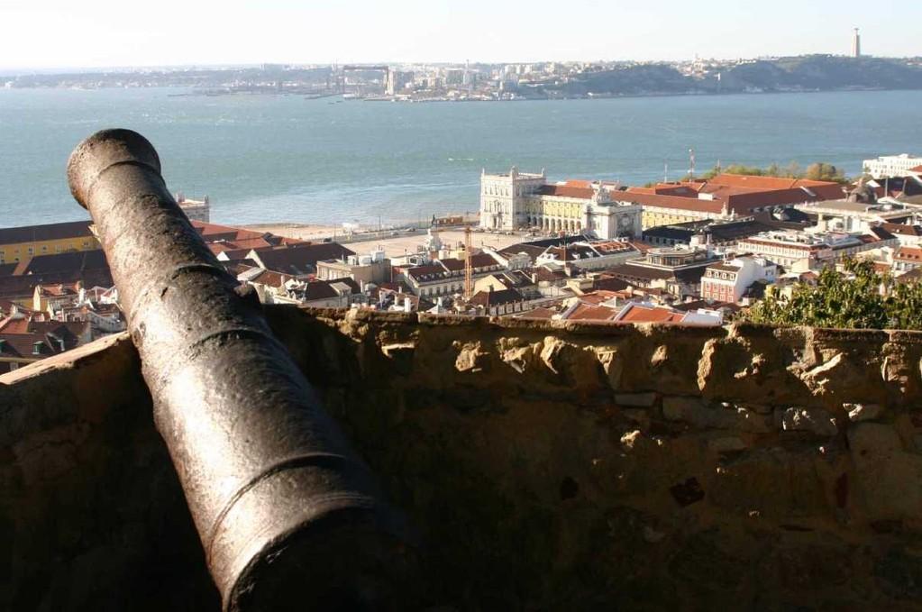 0439_01 Nov 07_Lissabon_Castelo de Sao Jorge_Kanone