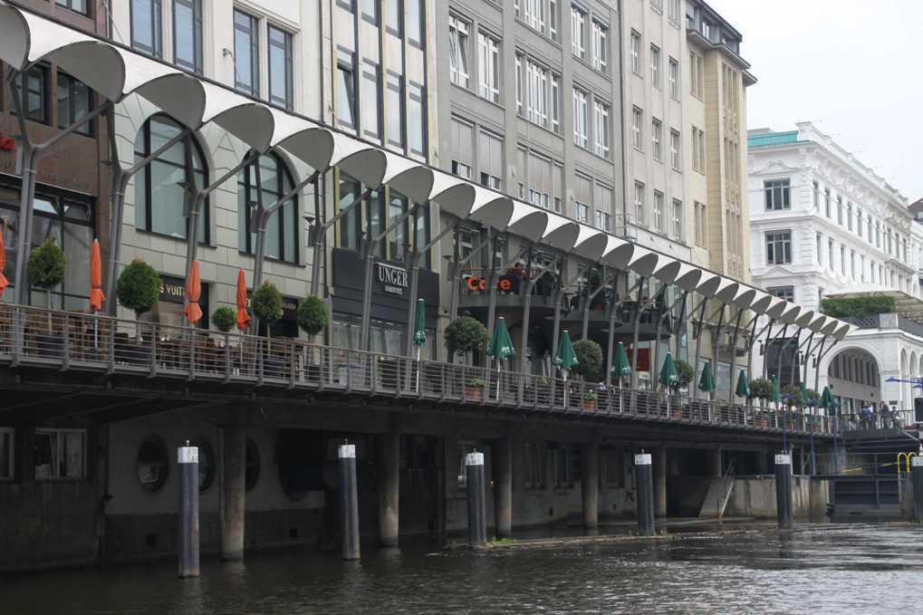 0269_11 Juni 2011_Hamburg_Alsterarkaden