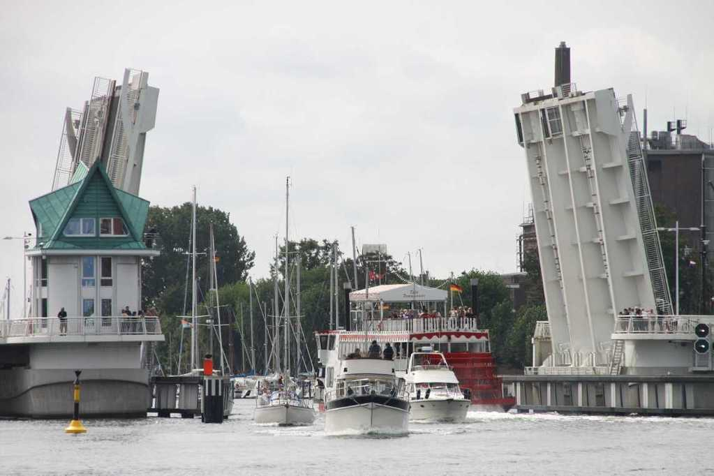 0109_06 Aug 2011_Kappeln_Klappbrücke_Segelschiffe
