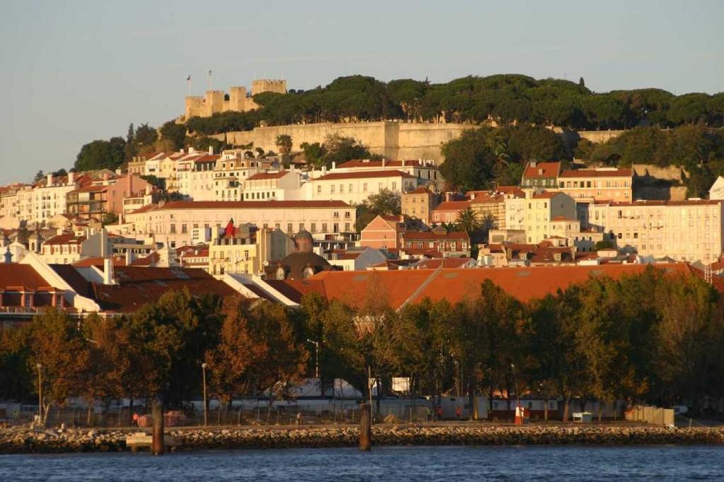0385_31 Okt 07_Lissabon_Boots-Tour_Castelo de Sao Jorge_Alfama