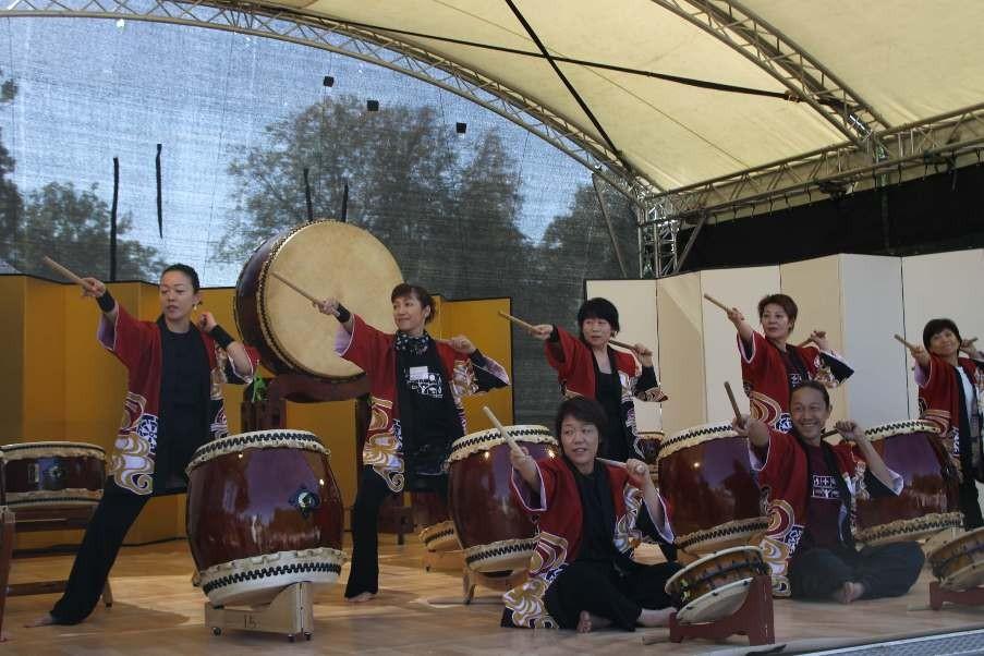 163_0146_16 Sept 2011_Gartenfest_Japan_Taiko_Große Japanische Trommel