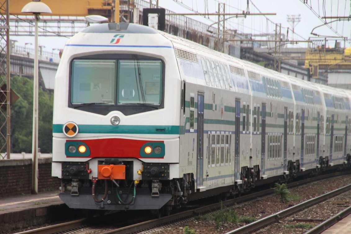 0019_06 Okt 2013_Genua_Cornigliano_Bahnhof_Zug