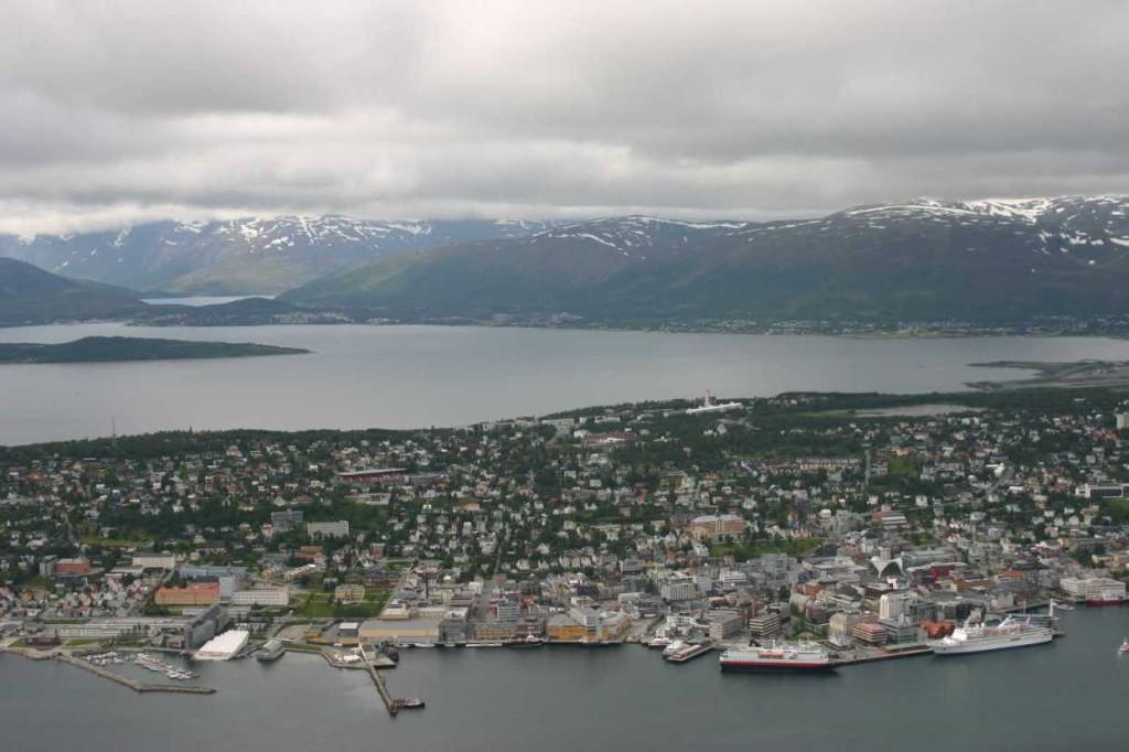 Bild 2291 - Norwegen, Tromsö, Fjellheisen, Nordlys & MS Delphin