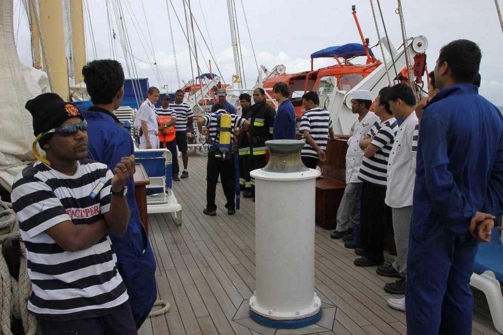 2151_18 Okt 2010_Star Flyer_Emergency Drill Crew